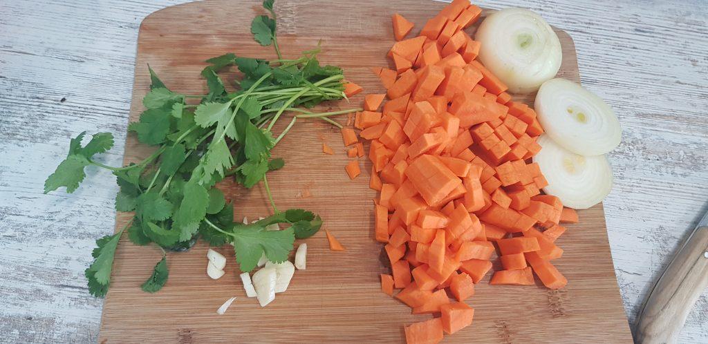Фото рецепта - Судак, жаренный с морковью - шаг 5