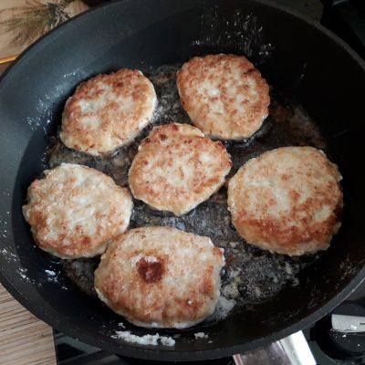 Фото рецепта - Куриные котлеты из куриной грудки - шаг 6