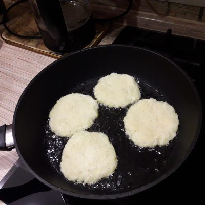 Фото рецепта - Стожки из картошки с фаршем и сыром - шаг 4