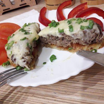 Фото рецепта - Стожки из картошки с фаршем и сыром - шаг 8