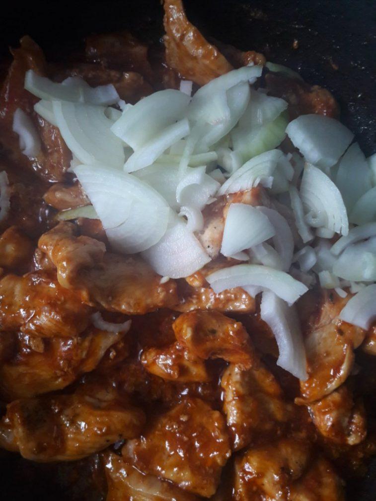 Фото рецепта - Курочка в томатно-соевом соусе - шаг 5