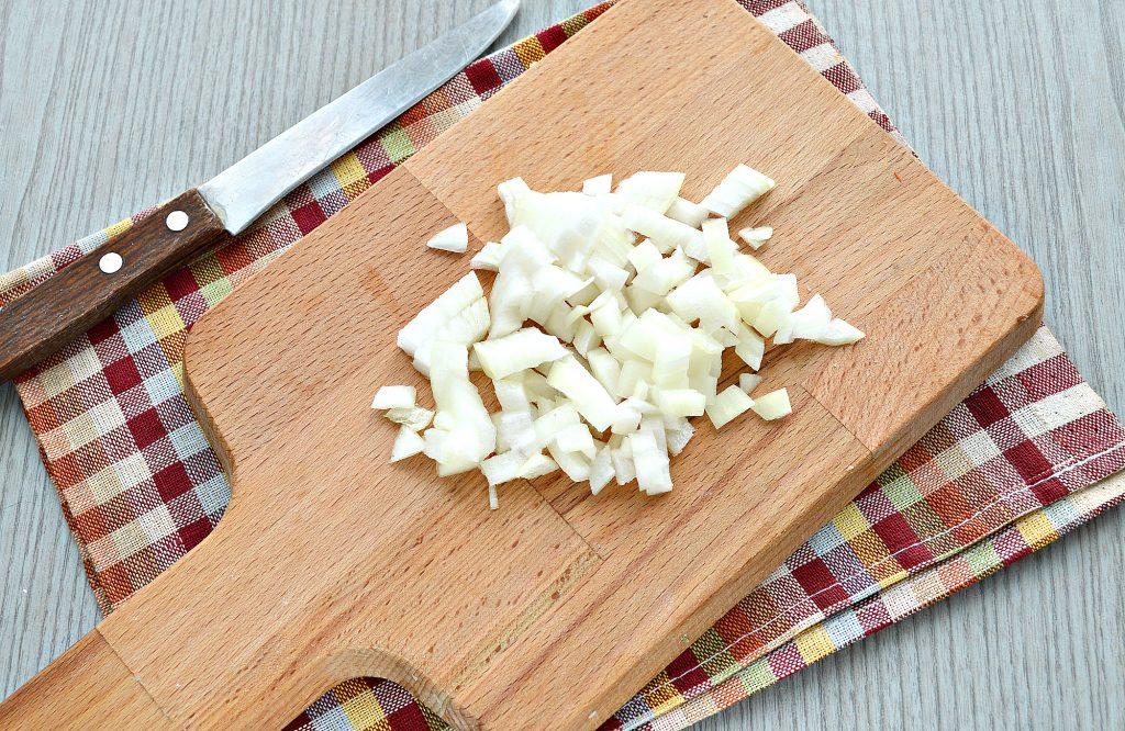 Фото рецепта - Мясной салат с картофелем и солеными огурцами - шаг 3