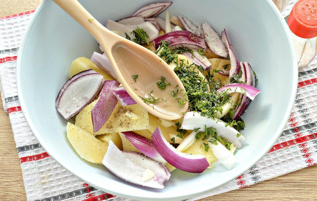 Фото рецепта - Постный картофель с луком в духовке - шаг 3
