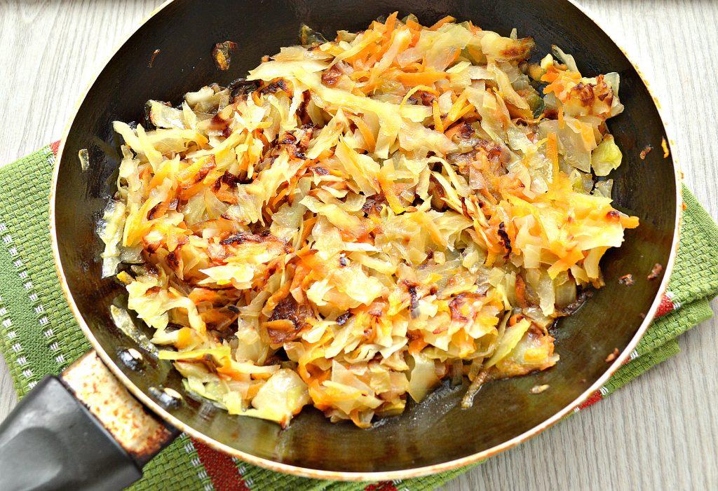 Фото рецепта - Жареные постные блинчики с капустной начинкой - шаг 3