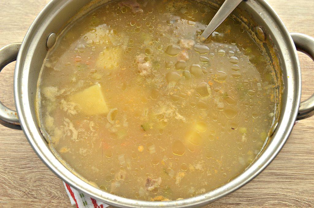 Фото рецепта - Рассольник классический на мясном бульоне с солеными огурцами - шаг 5