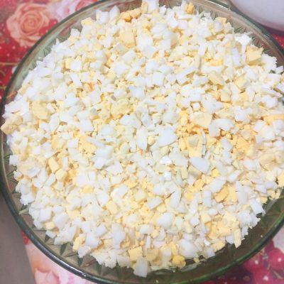 Сырно-грибной слоеный салат - рецепт с фото