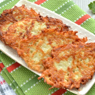 Картофельные оладьи с копченым сыром - рецепт с фото