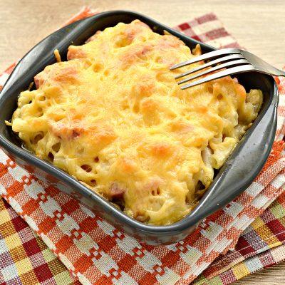 Запеканка из макарон с сосисками и сыром в духовке - рецепт с фото