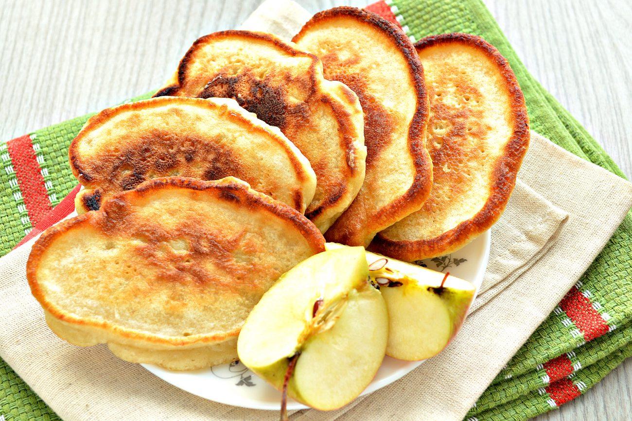 Оладьи с яблоками, на молоке