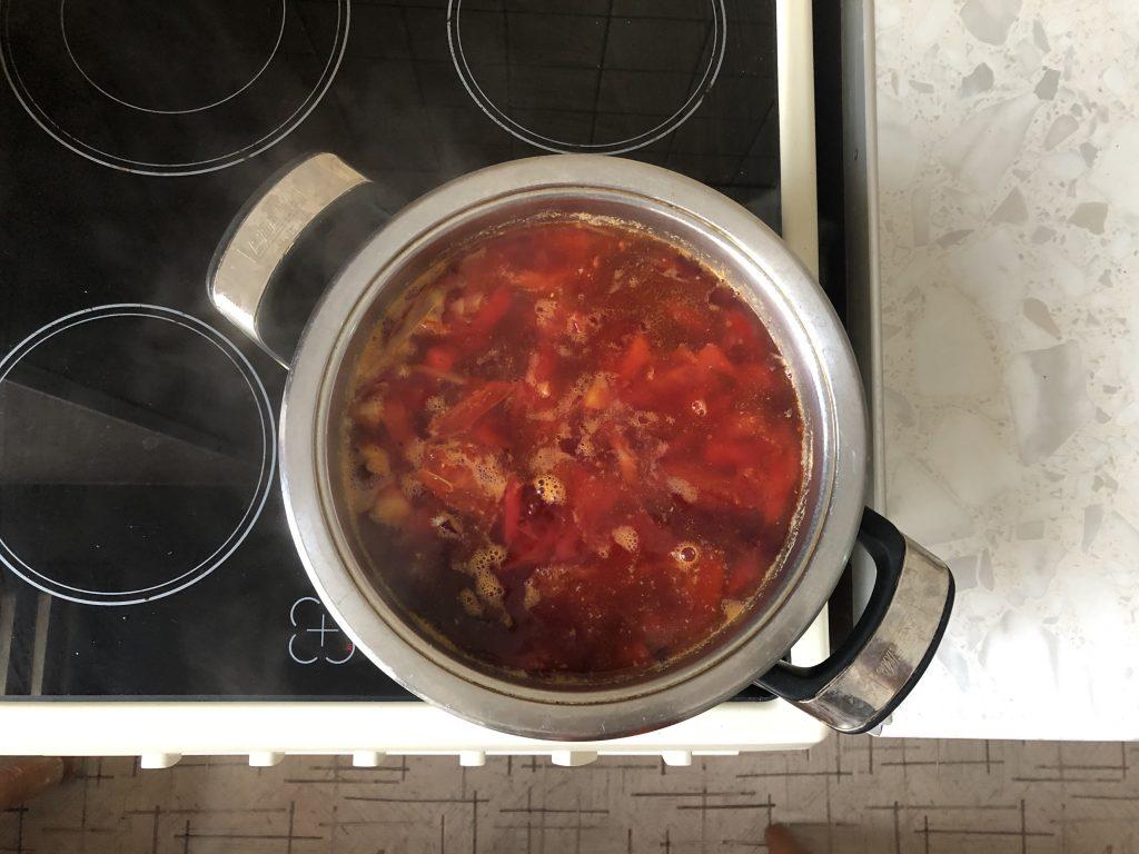 Фото рецепта - Вегетарианский борщ на овощах с сельдереем - шаг 6