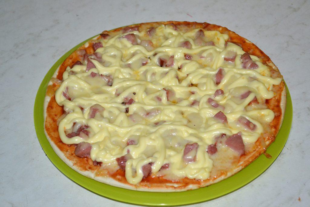 Фото рецепта - Пицца за 10 минут - шаг 7
