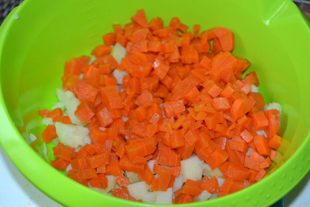 Фото рецепта - Классический салат Винегрет - шаг 2