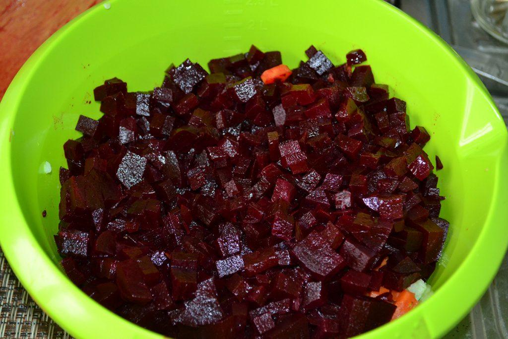Фото рецепта - Классический салат Винегрет - шаг 3