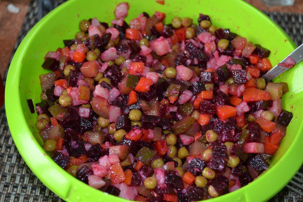 Фото рецепта - Классический салат Винегрет - шаг 6