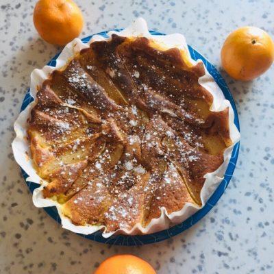 Грушевый пирог на сметане - рецепт с фото