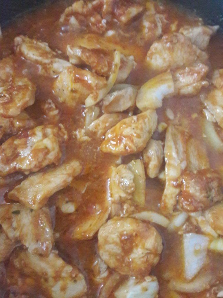 Фото рецепта - Курочка в томатно-соевом соусе - шаг 6