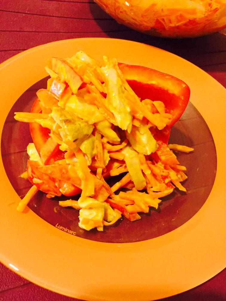 Фото рецепта - Салат с куриными ножками, болгарским перцем и корейской морковкой - шаг 8