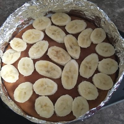"""Фото рецепта - Торт """"Птичье Молоко"""" на бисквитных коржах с бананом - шаг 1"""