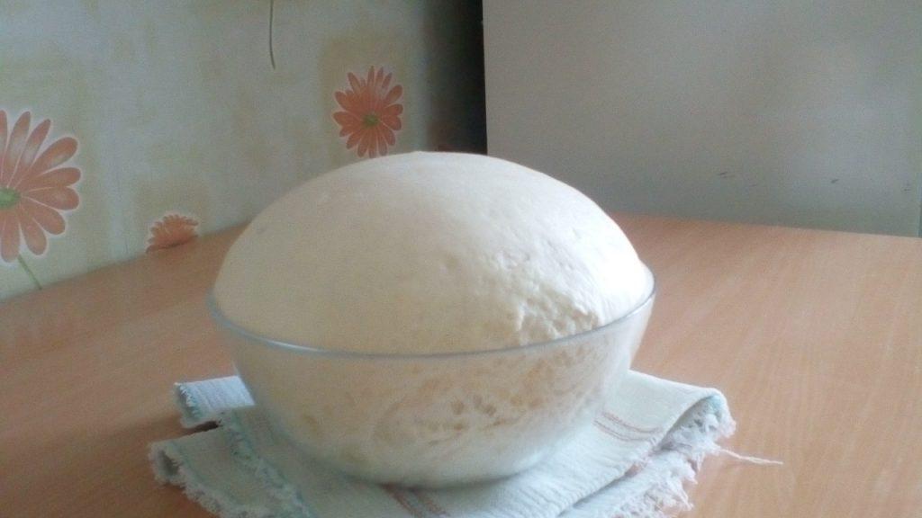 Фото рецепта - Плетенка на дрожжевом тесте с ягодами - шаг 5
