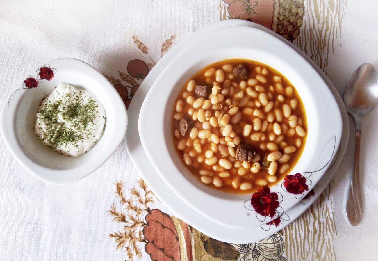 Белая фасоль с говядиной по-турецки