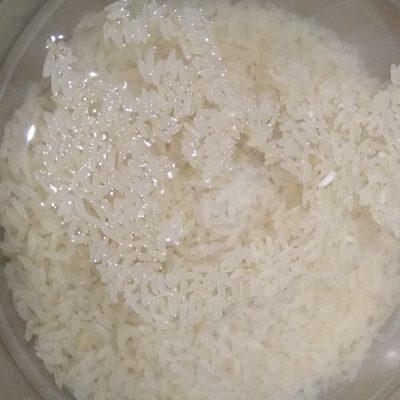 Фото рецепта - Творожно-рисовая запеканка с бананом - шаг 1