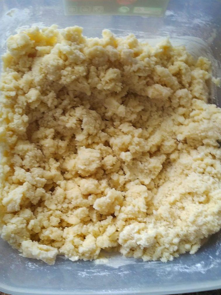 Фото рецепта - Пирог со сметанно-маковой начинкой из песочного теста - шаг 2