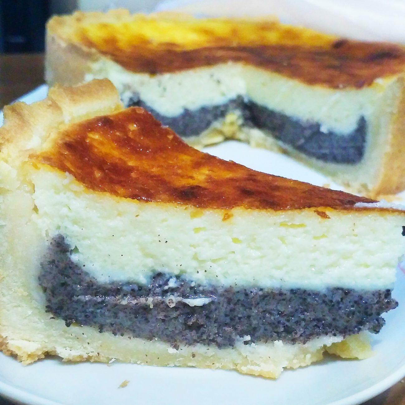 Пирог со сметанно-маковой начинкой из песочного теста