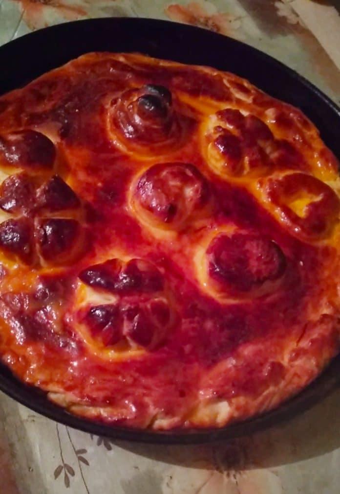 Фото рецепта - Дрожжевой пирог с капустой и картофельным пюре - шаг 14