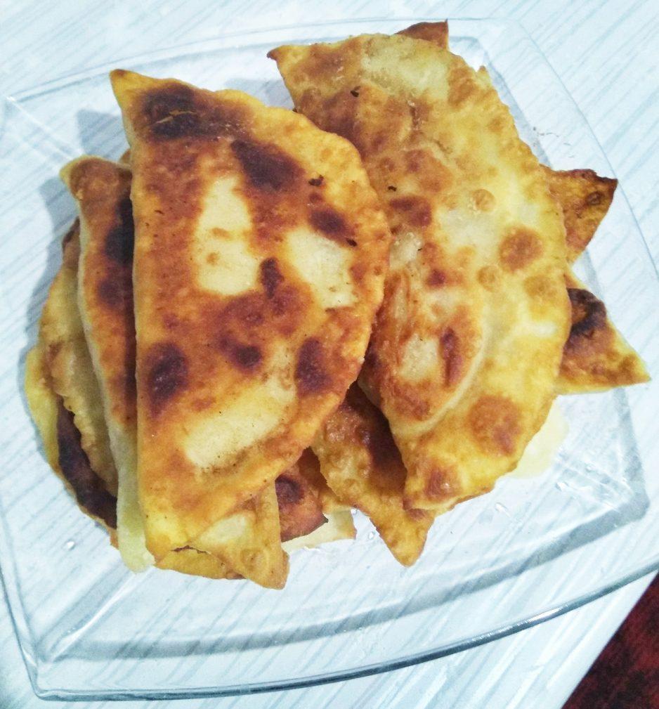 Фото рецепта - Чебуреки с мясом на водочке и кефире - шаг 7