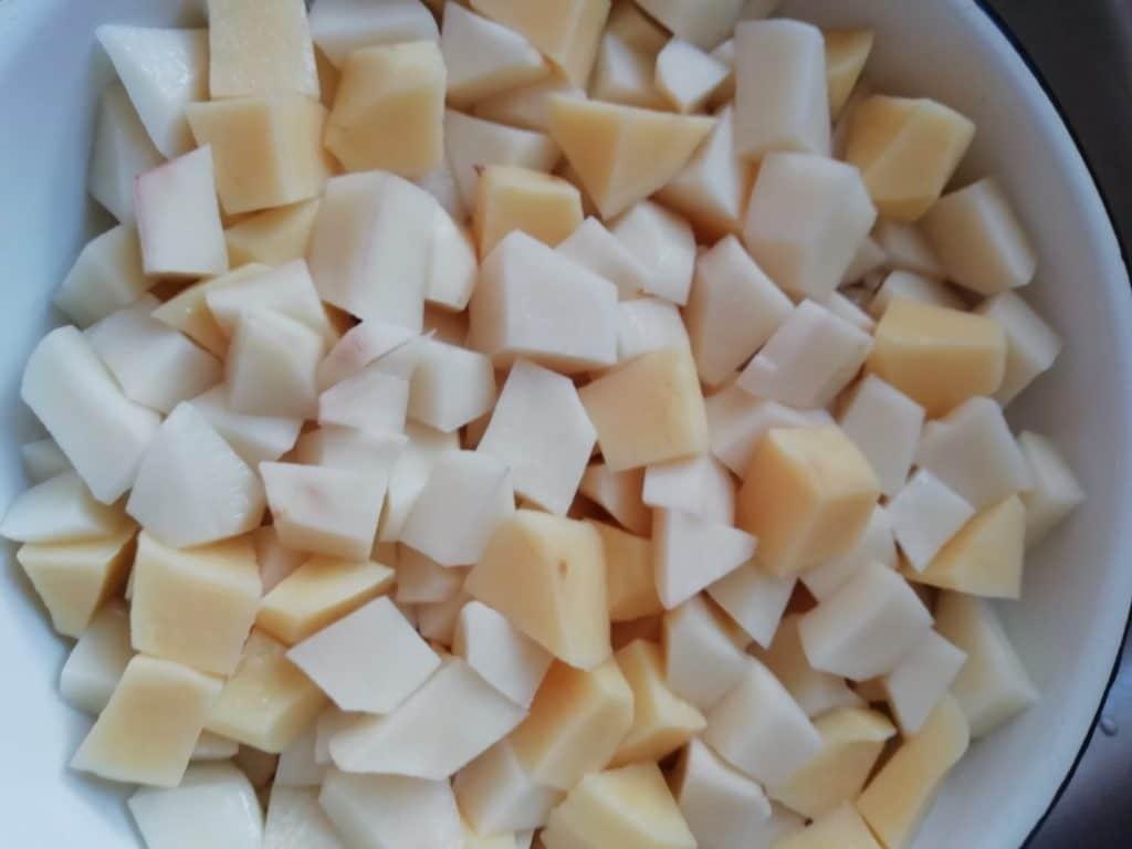 Фото рецепта - Курица тушеная с картофелем в мультиварке - шаг 6
