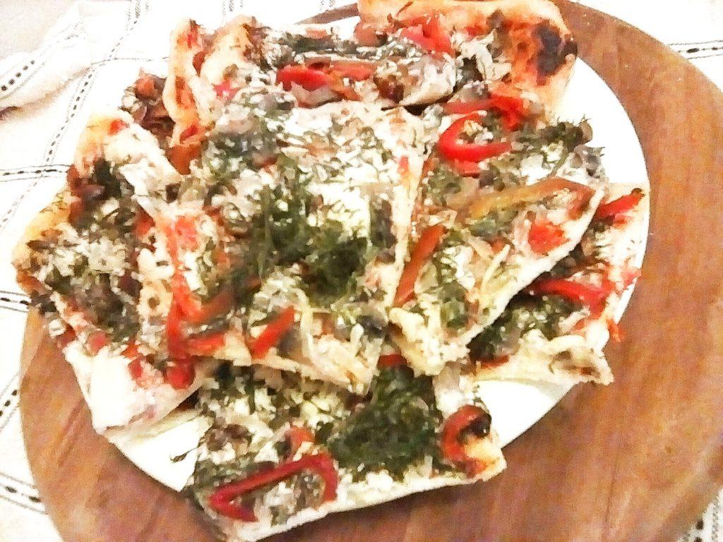 Фото рецепта - Очень тонкая и вкусная пицца - шаг 6