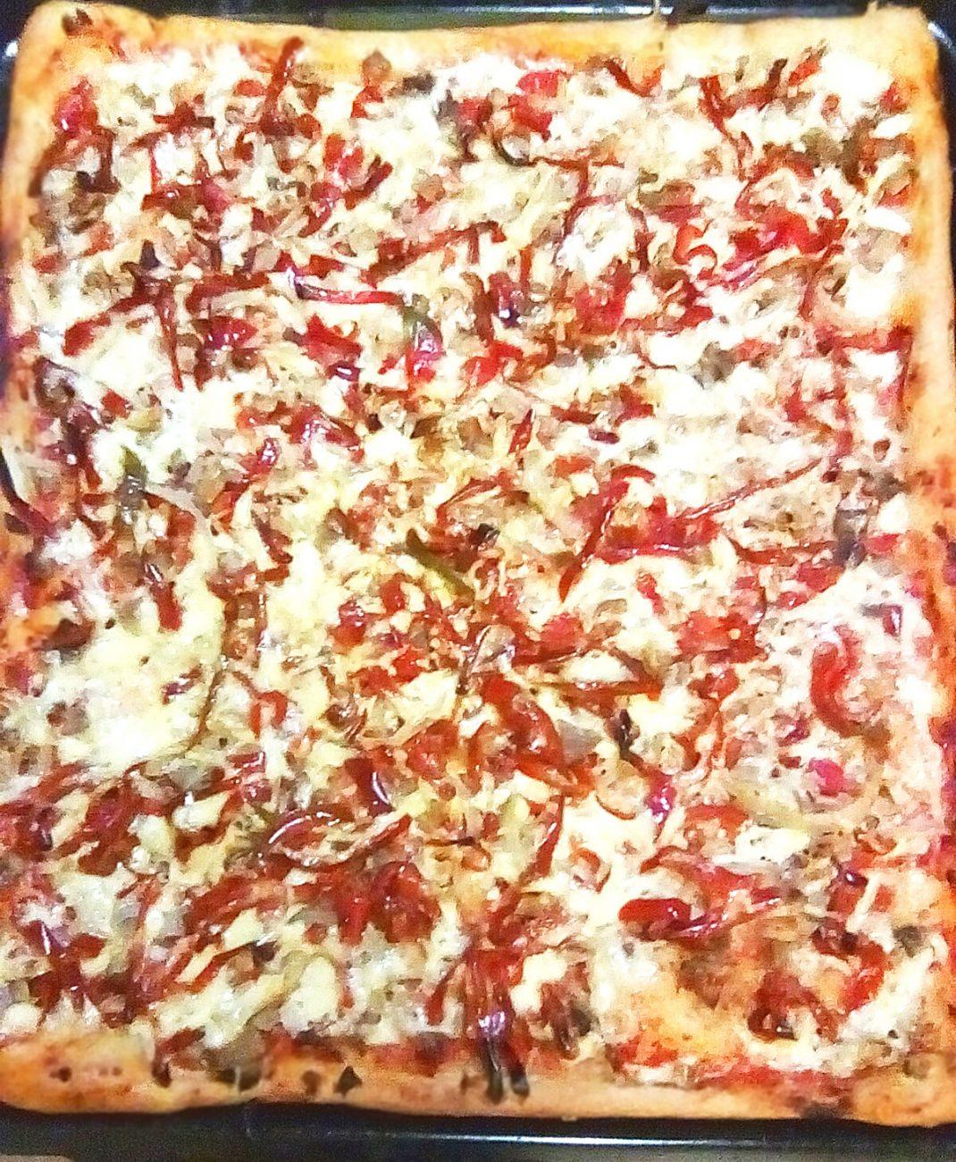 Очень тонкая и вкусная пицца