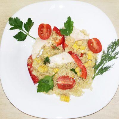 Тёплый салат с курицей и киноа - рецепт с фото