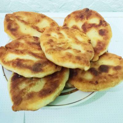 Вкусные пирожки на кефире с картошкой - рецепт с фото