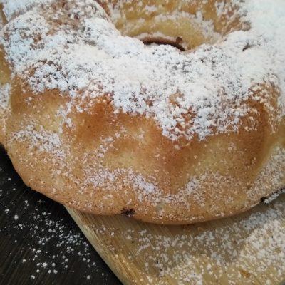 Бисквитный кекс с изюмом и корицей - рецепт с фото