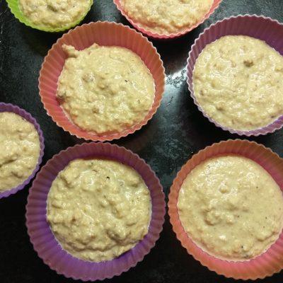 Фото рецепта - Кексы из сухариков на молоке - шаг 4