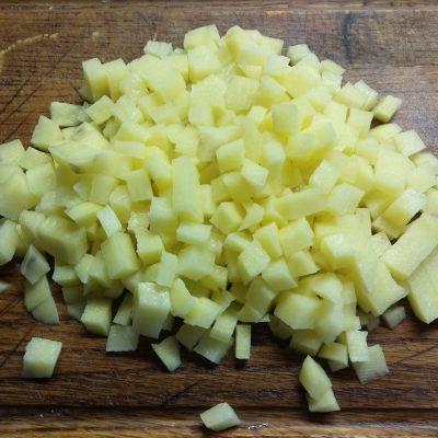 Фото рецепта - Суп томатный с кабачками, баклажанами и кукурузой - шаг 2