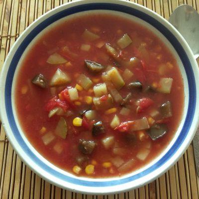 Фото рецепта - Суп томатный с кабачками, баклажанами и кукурузой - шаг 5