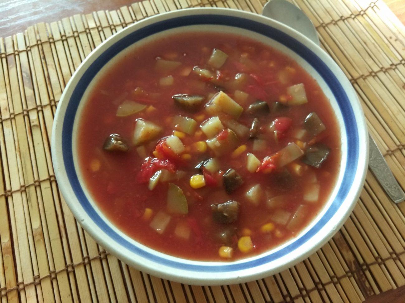 Суп томатный с кабачками, баклажанами и кукурузой