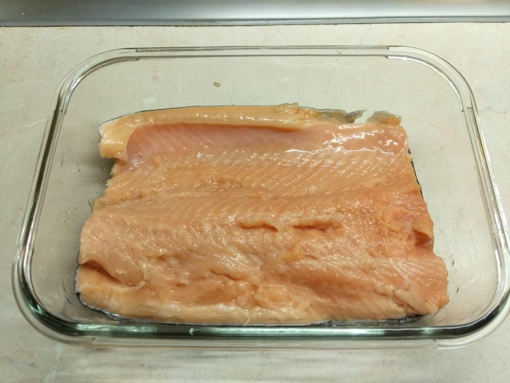 Фото рецепта - Запеканка картофельно-рыбная под сыром - шаг 1