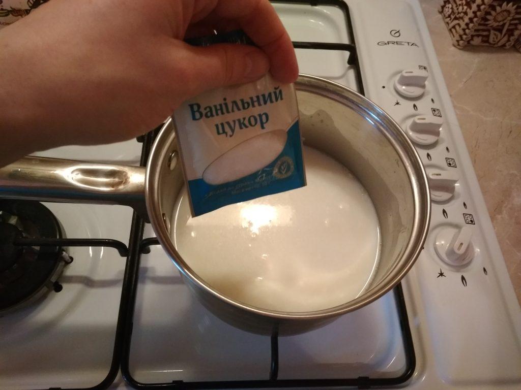 Фото рецепта - Недорогой заварной крем с ягодами - шаг 4