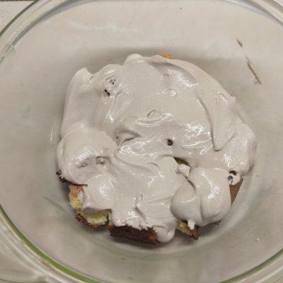 Фото рецепта - Трайфл из бисквита с вишней и творожным кремом - шаг 7