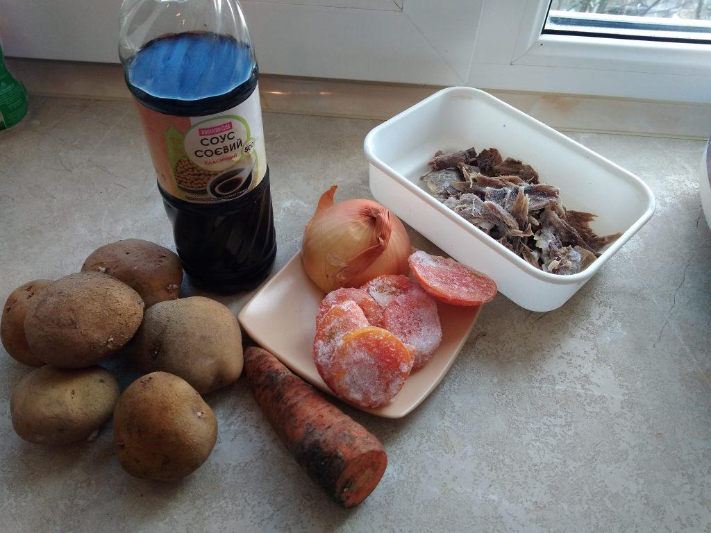 Фото рецепта - Быстрое картофельное рагу с мясом курицы на сковороде - шаг 1