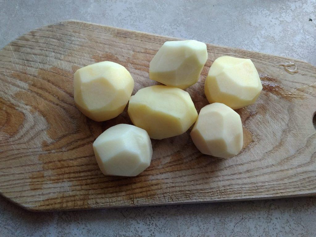 Фото рецепта - Быстрое картофельное рагу с мясом курицы на сковороде - шаг 2