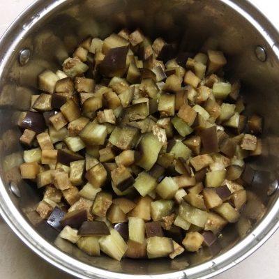 Фото рецепта - Картофельное рагу из кабачков и баклажанов с лесными грибами - шаг 1
