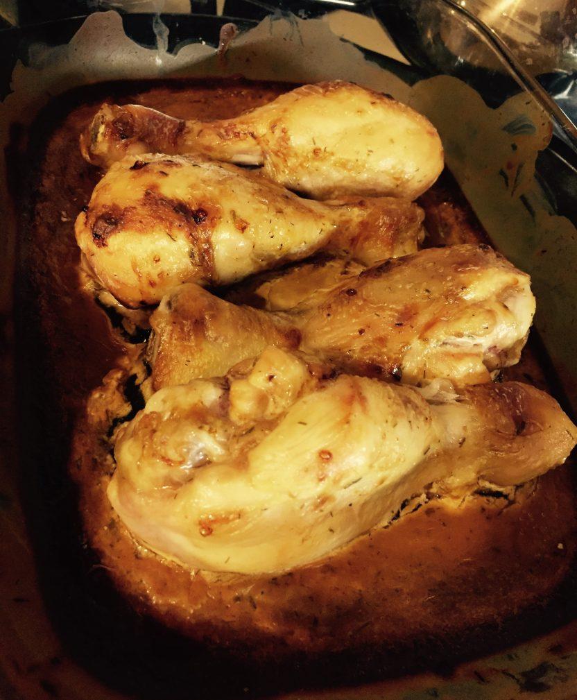 Фото рецепта - Салат с куриными ножками, болгарским перцем и корейской морковкой - шаг 4