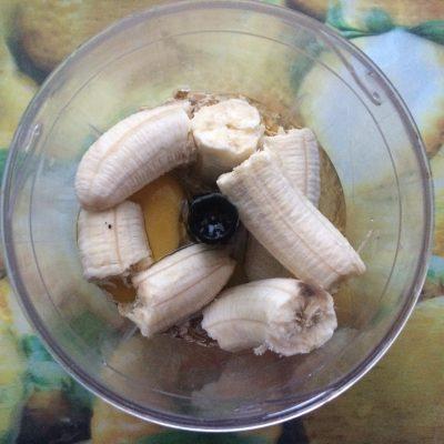 Фото рецепта - Банановые оладьи с овсянкой - шаг 2