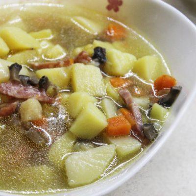 Пряный суп с кореньями и грибами - рецепт с фото