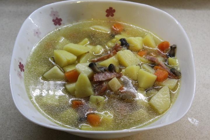 Фото рецепта - Пряный суп с кореньями и грибами - шаг 5