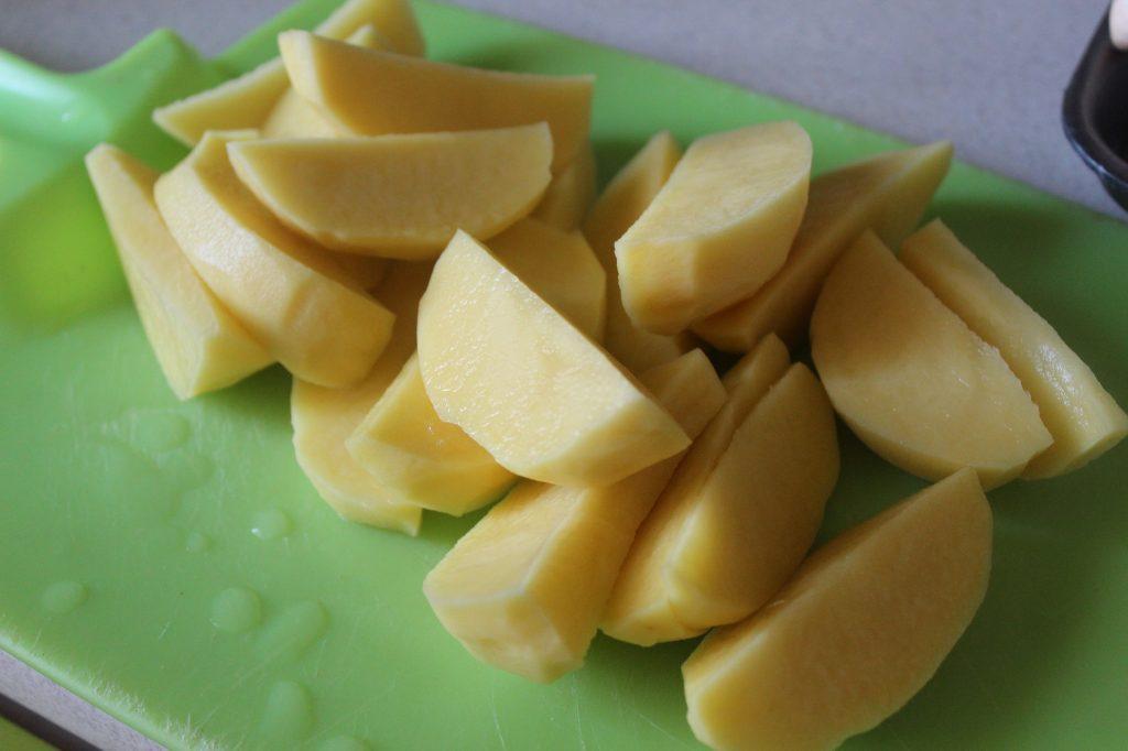 Фото рецепта - Картофель в духовке с вешенками, шампиньонами в сметане - шаг 1